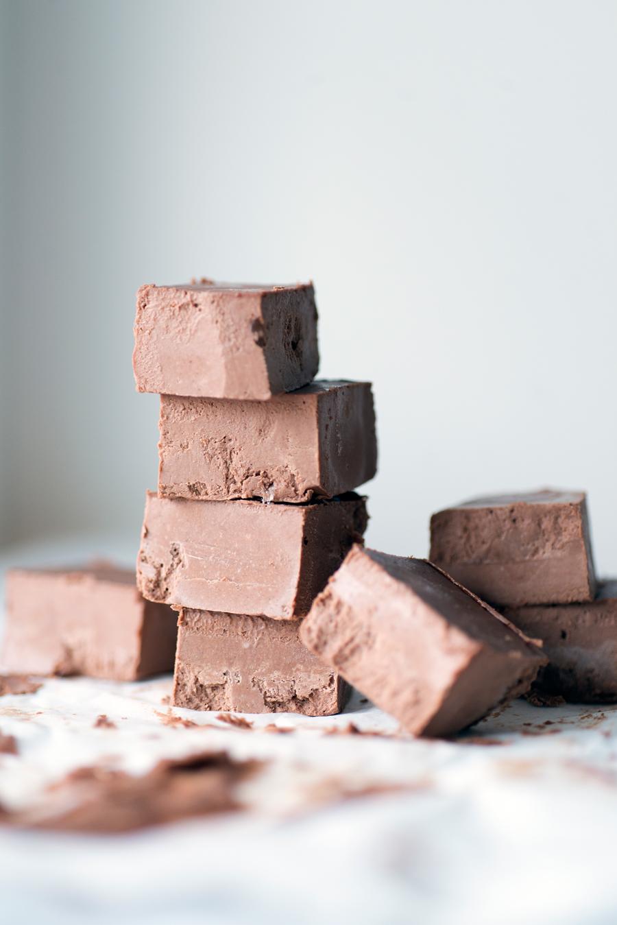 vegan chocolate tahini fudge