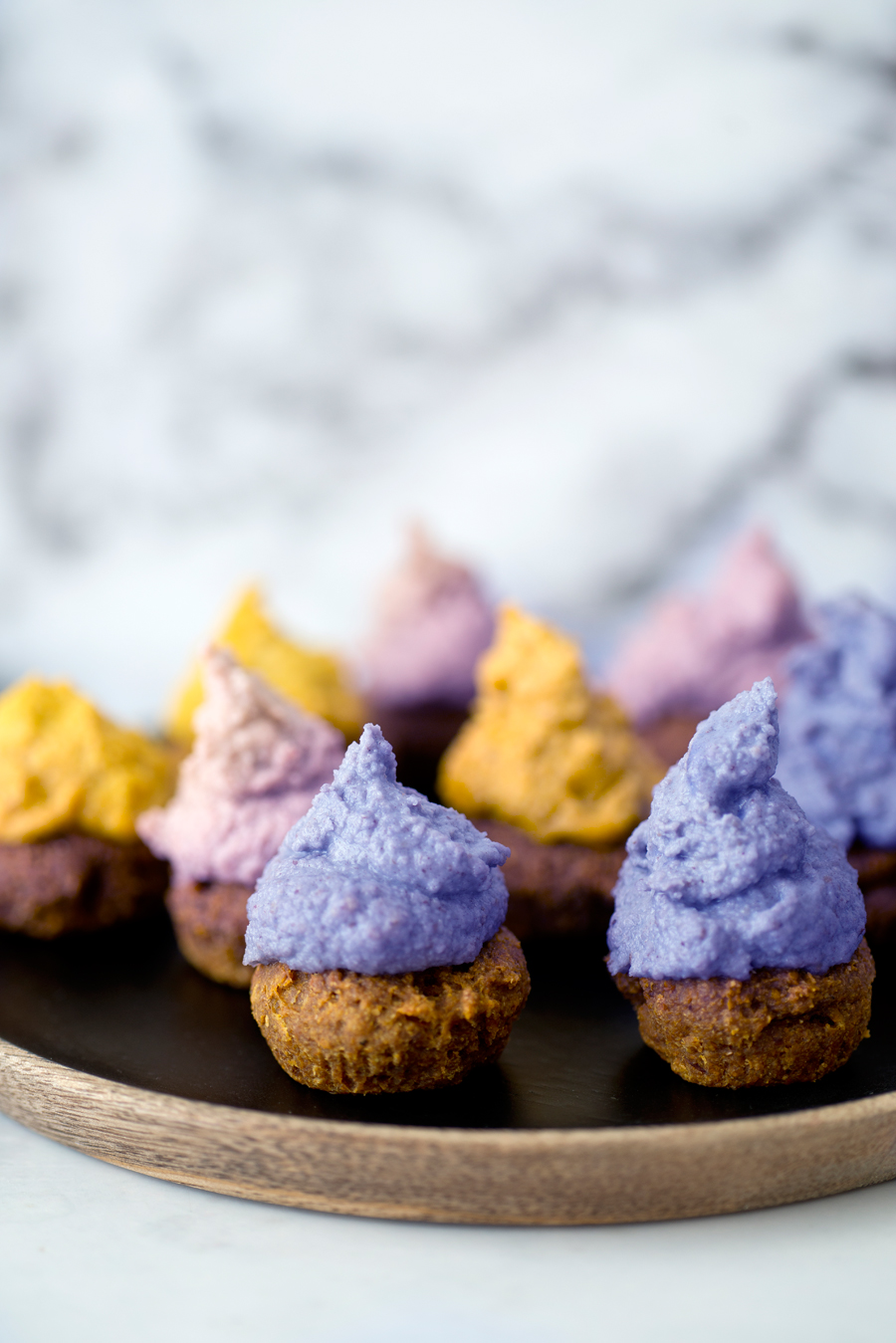 cupcakes cashew frosting
